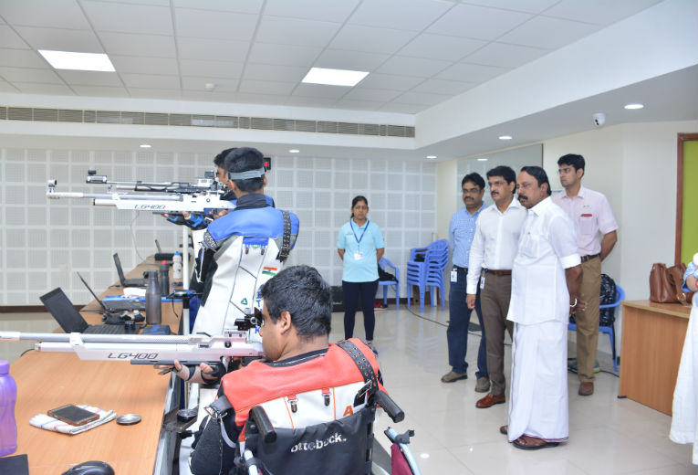 Minister visits the Shooting Range