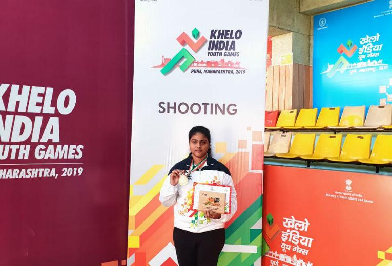 Varsha won Gold in 3P 50m Rifle Shooting